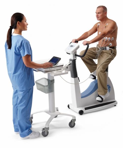 MAC 2000 Kompetenz, Ruhe- EKG mit Pumpe, KISS und Gerätewagen